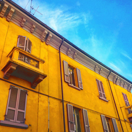 foto  Palazzo / Stabile tre piani, da ristrutturare, Piacenza