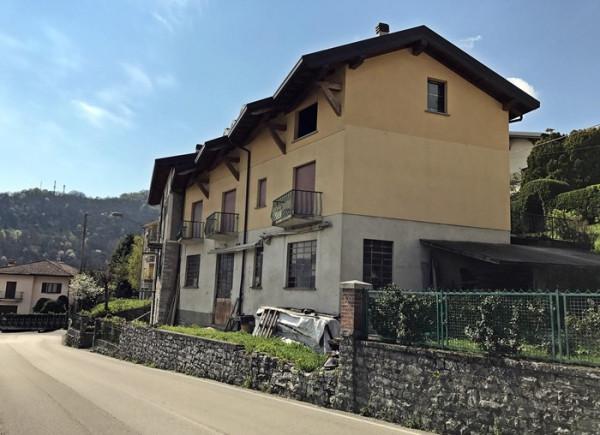 foto  Palazzo / Stabile via Santa Valeria 75, Rezzago