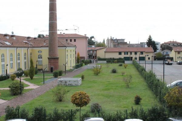 foto  Nuovi Appartamenti e Negozi a Rossano Veneto