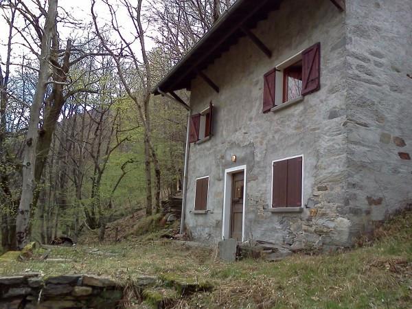 Vendita rustico casale in via provinciale in nivetta for Pianta del piano casa di 800 piedi quadrati