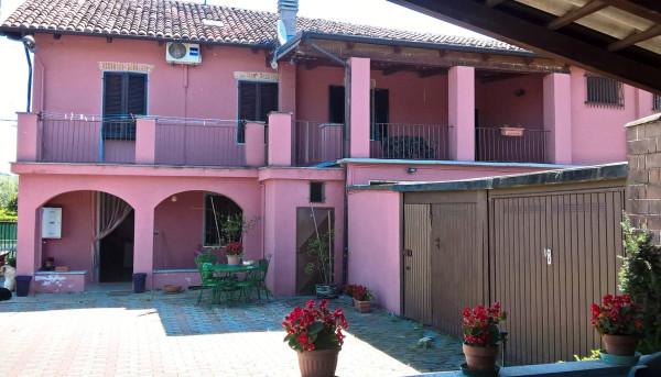 Rustico / Casale in Vendita a Castell'Alfero