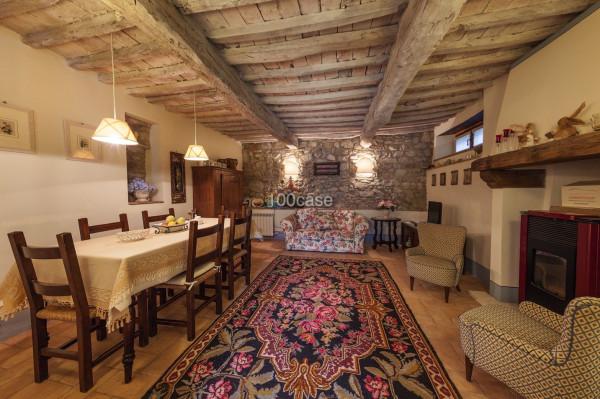 Vendita rustico casale in case sparse le rogheta for Case dall aspetto rustico