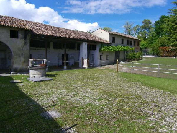 foto  Rustico / Casale, da ristrutturare, 500 mq, Fonte