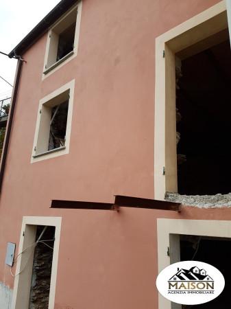 foto  Rustico / Casale, da ristrutturare, 130 mq, Genova