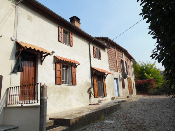 Rustico / Casale in vendita a Grazzano Badoglio, 5 locali, prezzo € 55.000 | CambioCasa.it