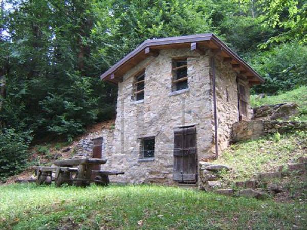 Vendita rustico casale in via per gisazio perledo for Rustici in vendita lombardia