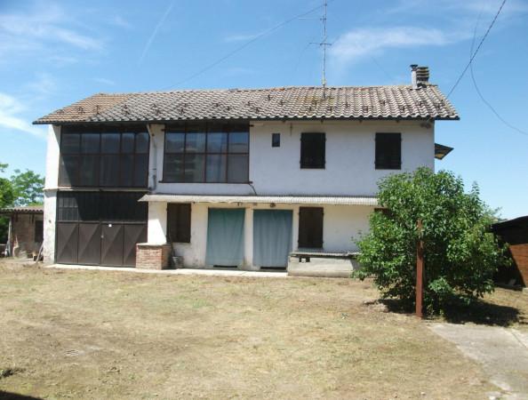Rustico / Casale in vendita a Portacomaro, 5 locali, prezzo € 85.000 | CambioCasa.it