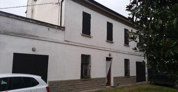 foto  Rustico / Casale, buono stato, 250 mq, Ravenna