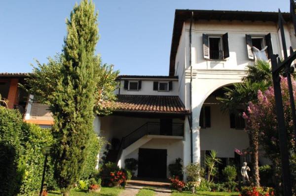 Vendita rustico casale in cascina portico di sotto for Portico auto in vendita