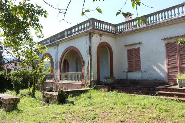 Vendita Villa in via Romana 117 Bolano. Da ristrutturare, posto auto ...