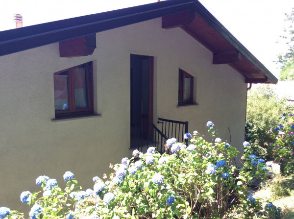 foto  Villa, buono stato, 176 mq, Canzo