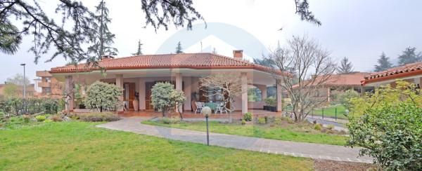 foto  Villa via Roma, Capriolo
