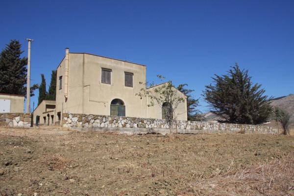 foto 1 Villa, buono stato, 320 mq, Castellammare del Golfo