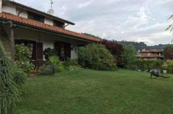 foto  Villa all'asta via Vincenzo Bellini, 11, Castelli Calepio