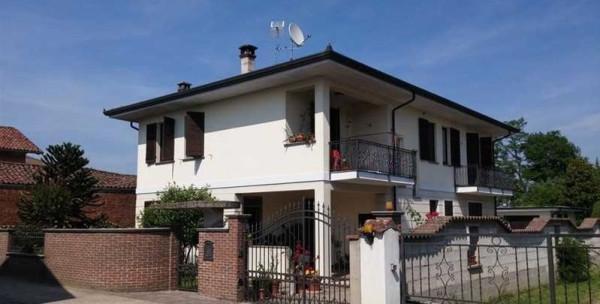 foto esterno Villa via Vignale II 35, Confienza