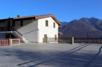 foto Villa Vendita Costa Volpino