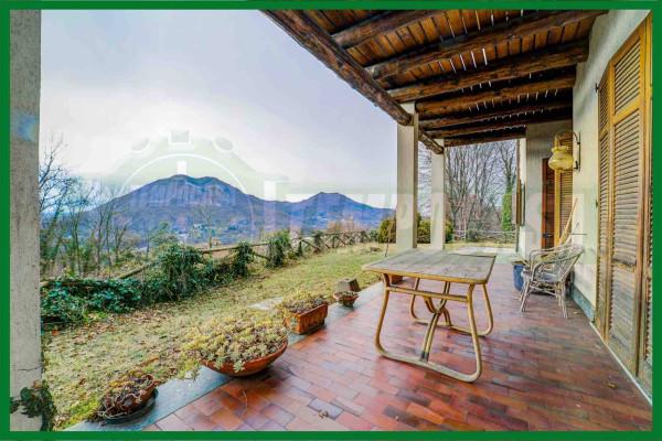 Vendita Villa Cunardo. Buono stato, posto auto, terrazza ...