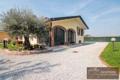 foto Villa Vendita Due Carrare