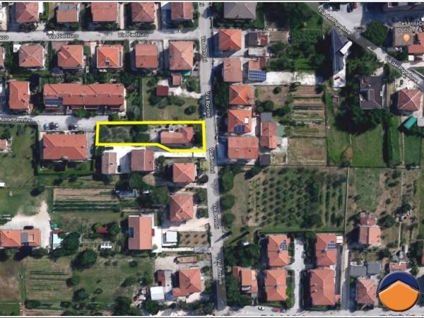foto  Villa via Borroni, 18, Foligno
