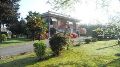foto Villa Vendita Fontaneto d'Agogna