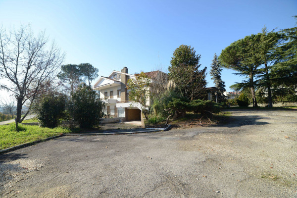 foto  Villa via Tommaso Landolfi 161, Frosinone