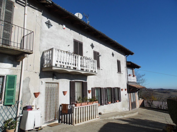Villa in vendita a Grazzano Badoglio, 9999 locali, prezzo € 220.000 | CambioCasa.it