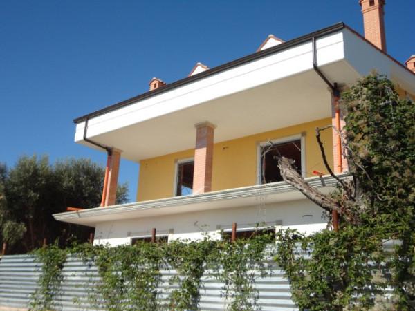 foto  Villa via Colle degli Ulivi, Guidonia Montecelio
