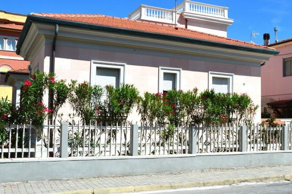 Vendita Villa in via Francesco Gasparini 21-23 Lido Di Camaiore ...