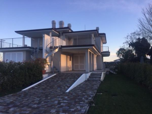 Vendita Villa in via Gronda 110 Lido Di Camaiore. Nuova, terrazza ...