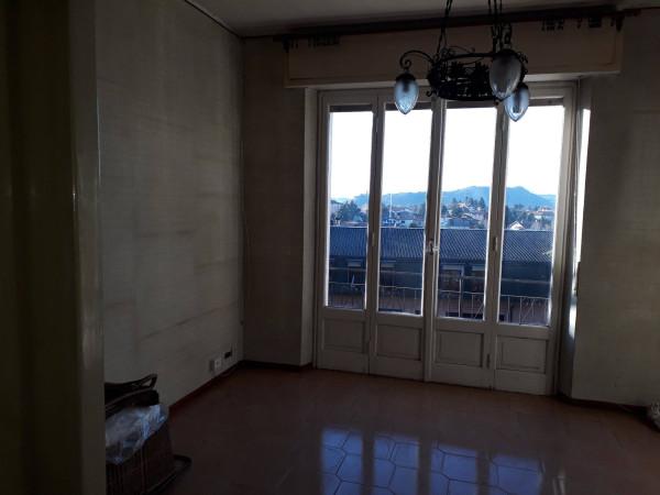 foto  Villa, da ristrutturare, 214 mq, Lipomo