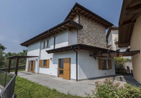 Vendita Villa Lovere. Nuova, terrazza, riscaldamento autonomo, 170 ...