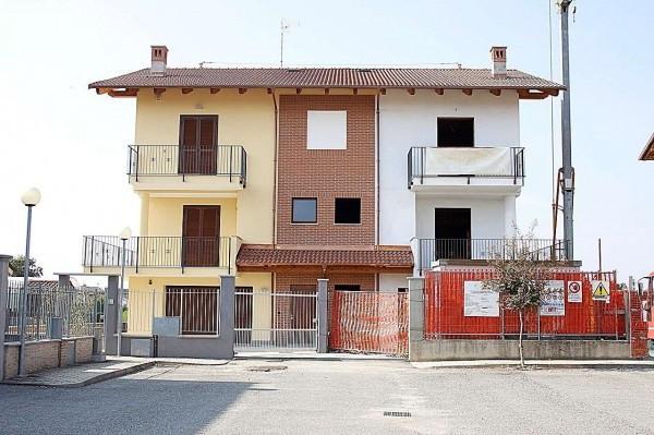 foto Esterno Villa piazza Donatori del Sangue, 1, Monasterolo di Savigliano