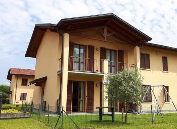 foto  Villa via Alessandro Manzoni, Monguzzo