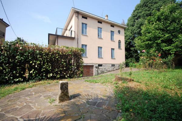 foto  Villa via Sommi Picenardi 2, Olgiate Molgora