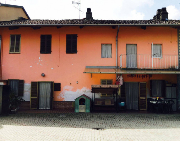 Villa in vendita a Pezzana, 4 locali, prezzo € 105.000 | CambioCasa.it
