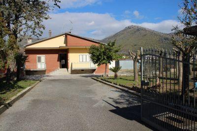 foto Villa Vendita Piana di Monte Verna