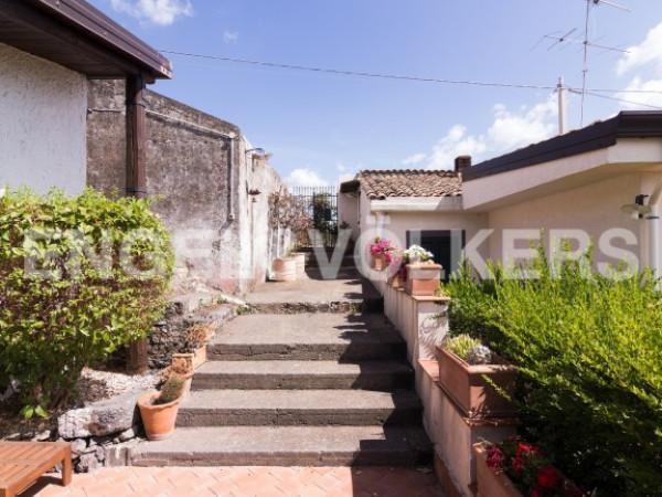 foto  Villa, buono stato, 170 mq, Piedimonte Etneo