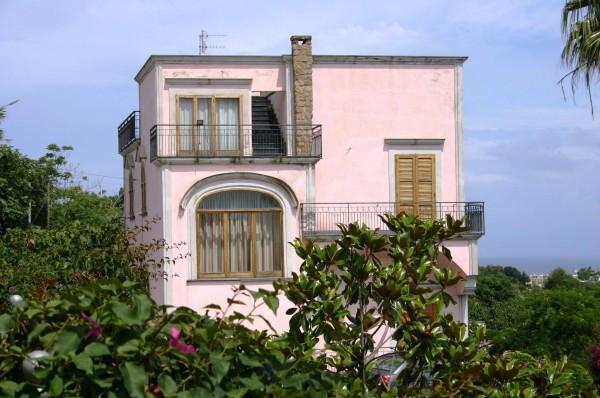 Vendita Villa in via solchiaro Procida. Buono stato, terrazza ...