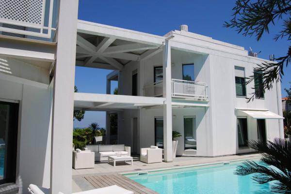 Vendita villa in via colle dei pini riccione ottimo stato - Piscina da balcone ...