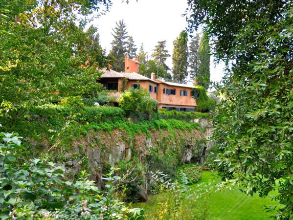 Vendita villa in via appia antica roma ottimo stato for Ville in vendita appia antica