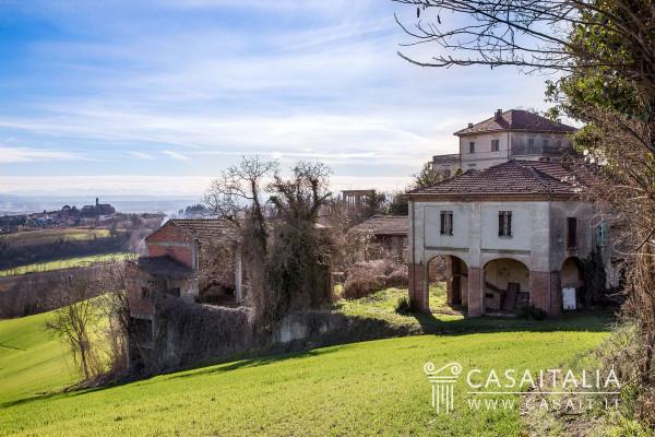 foto  Villa, da ristrutturare, 1465 mq, San Salvatore Monferrato
