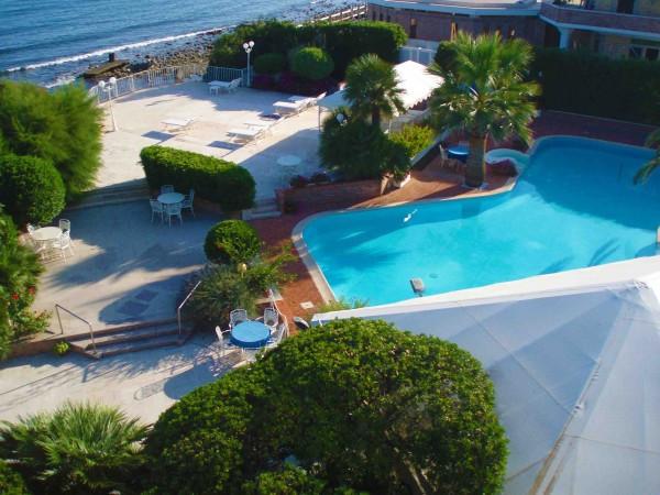 foto  Villa via delle Camelie 8, Santa Marinella