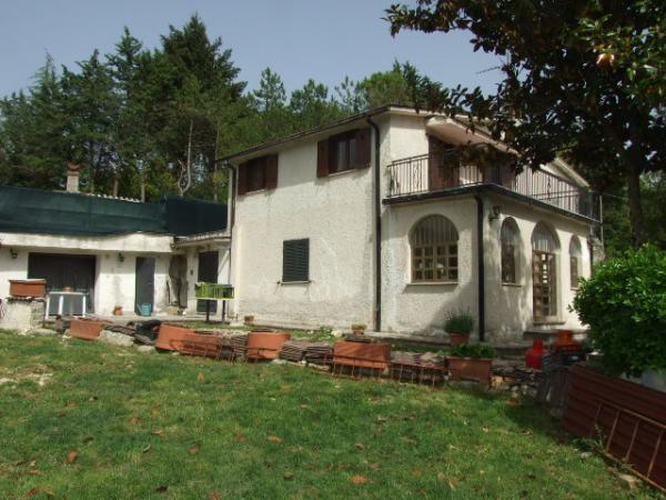 foto esterno Villa via Salaria Vecchia 28, Torricella in Sabina