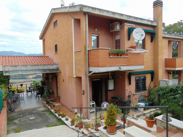 foto  Villa via dei Monti 13, Torrita Tiberina