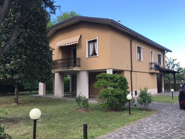 Vendita Villa Trezzo sull\'Adda. Ottimo stato, posto auto, terrazza ...