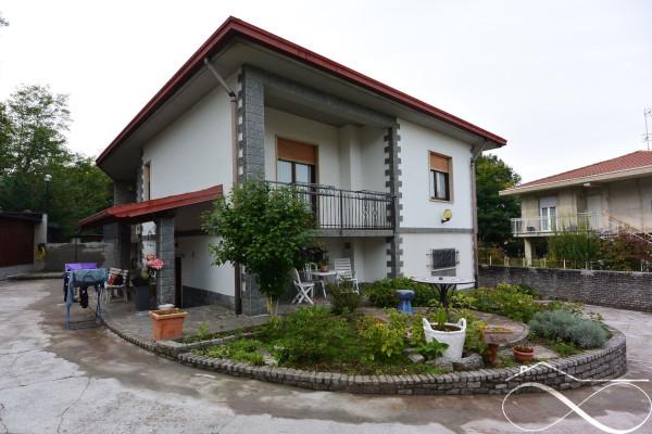 foto  Villa via Tiziano Vecellio, Uggiate-Trevano