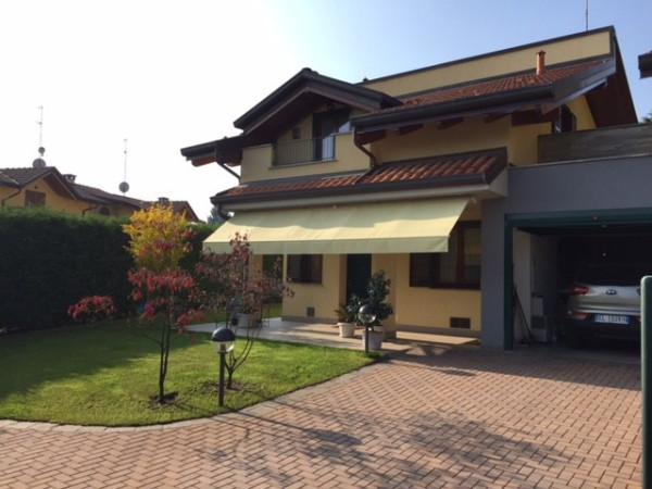 foto  Villa via Carlo Bernasconi, Uggiate-Trevano