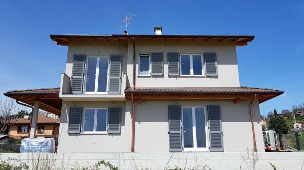 foto  Villa, nuova, 240 mq, Uggiate-Trevano