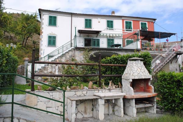 foto  Villa Località Ghiggeri, Varese Ligure