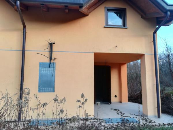foto  Villetta a schiera 3 locali, nuova, Borgo Ticino